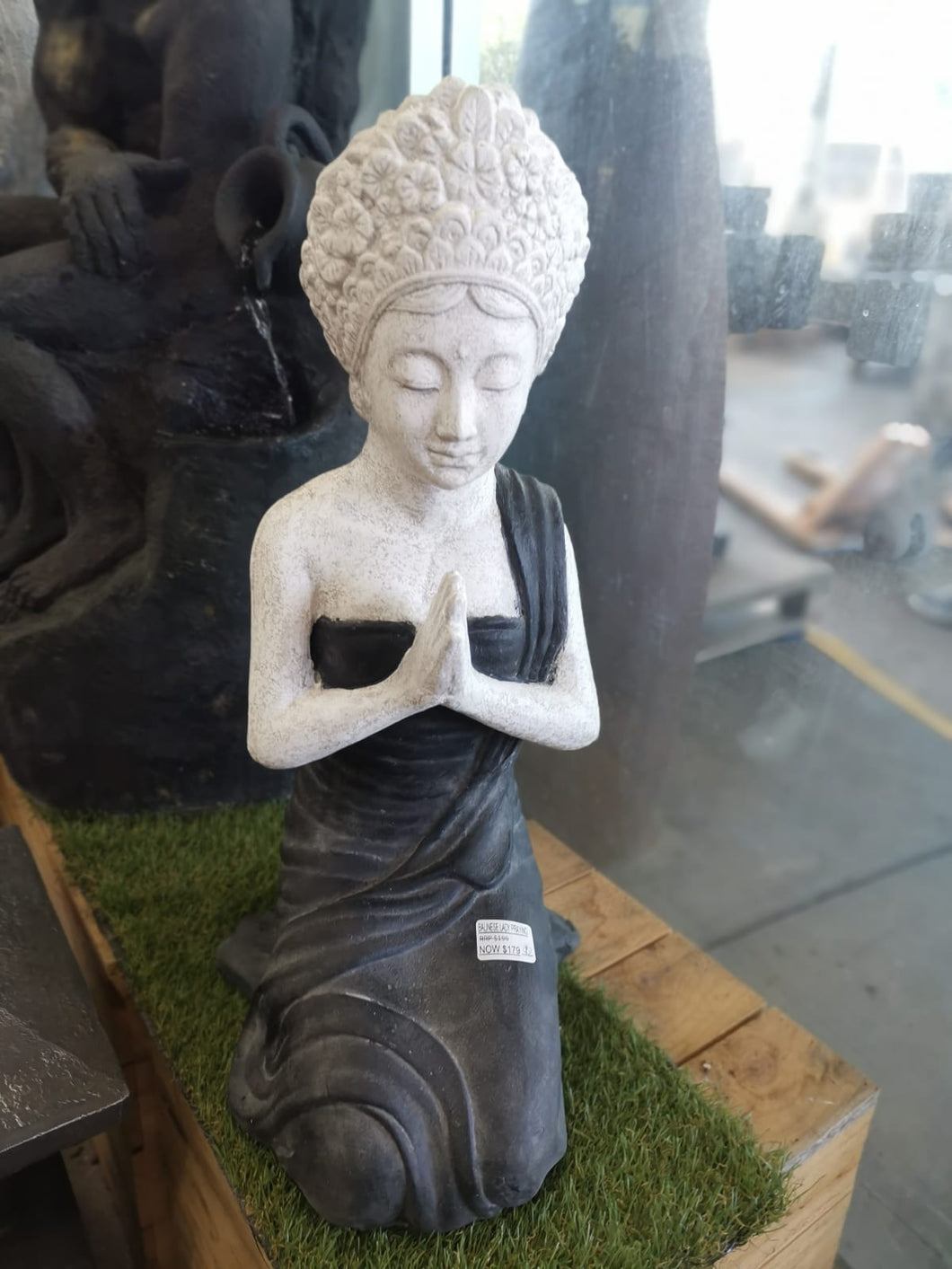 Balinese Lady Praying Statue