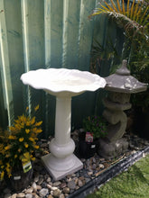 Load image into Gallery viewer, Terrazzo Classic BirdBath