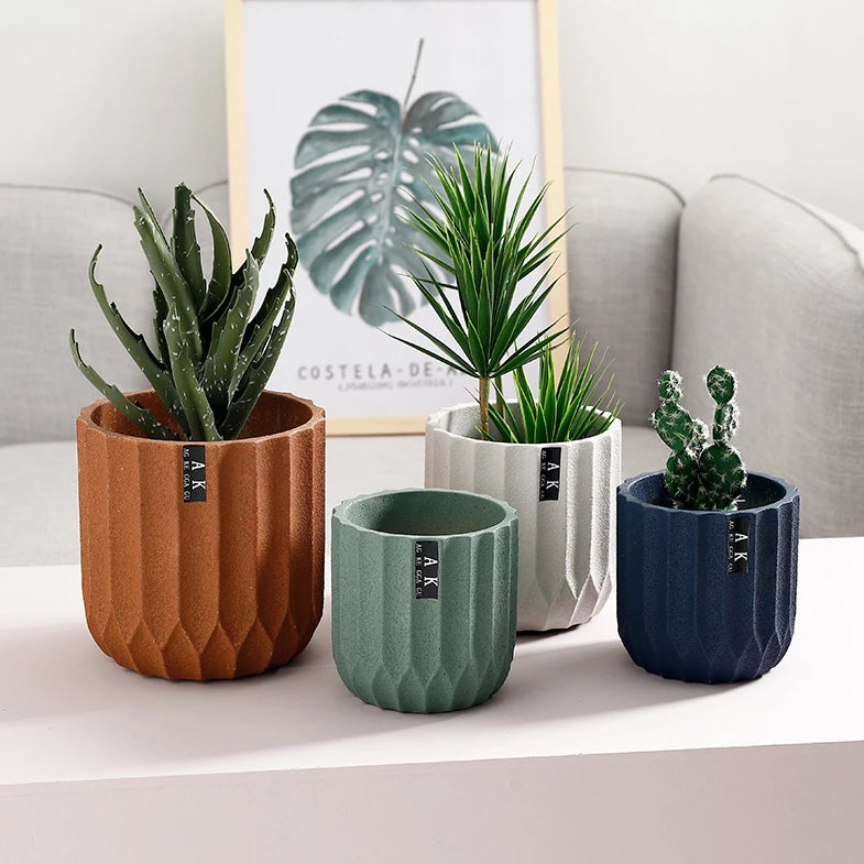 "Nordic ""Random"" Wording Cement Flower Pot"