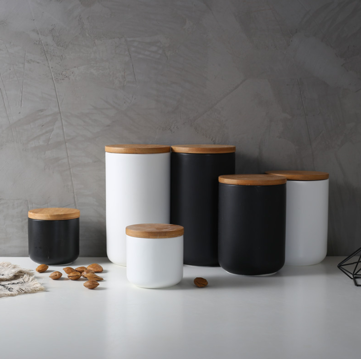 Lucas Collection Black & White Canister
