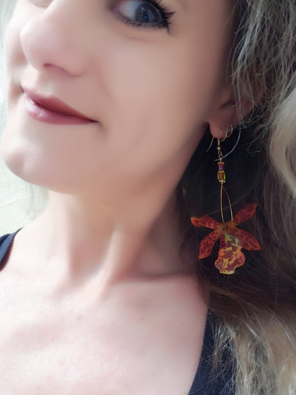 Nohealani Orchid Earrings