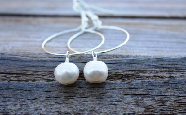 Momi Earrings • White Pearl