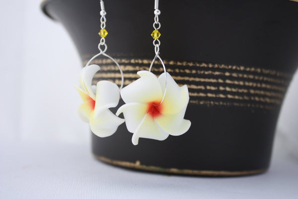Pua Nani Earrings • Butter Yellow