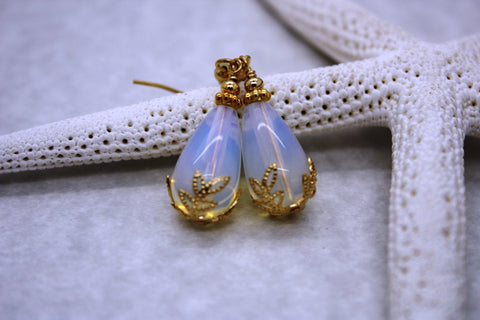 Kulu Wai Earrings • Opalite