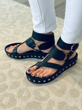Load image into Gallery viewer, Black Leather Stud Sandal