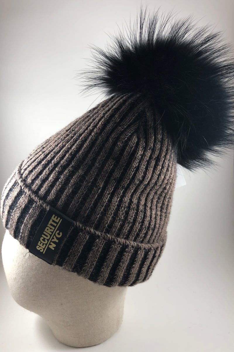 Securite Winter hat with pompom