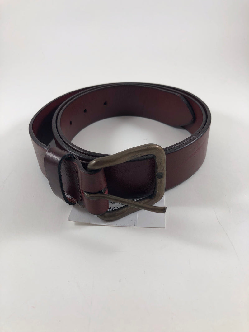 Maroon Vegetable-dyed leather belt by Armoir Style: LB018