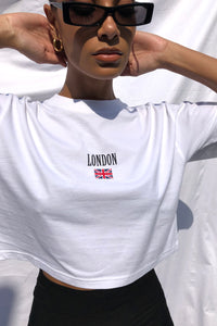 NIGHT ADDICT WOMENS WHITE CROPPED 'LONDON' TEE DETAIL