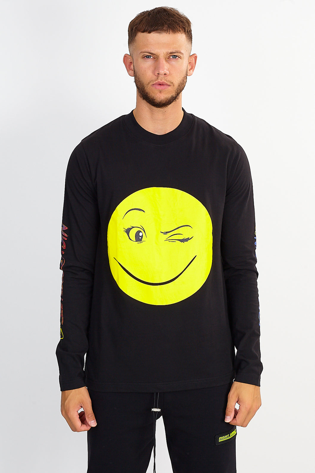 LONG SLEEVE SMILE TEE – BLACK