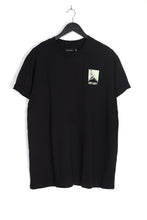 BACK MOUNTAIN PRINT TEE – BLACK