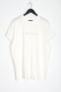 NIGHT ADDICT WHITE EMBROIDERED LOGO T-SHIRT FRONT