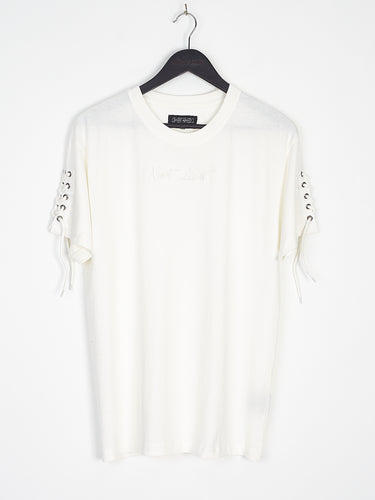 NIGHT ADDICT WHITE LACE SLEEVE TEE FRONT