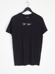 NIGHT ADDICT SCRIPT TEE - BLACK