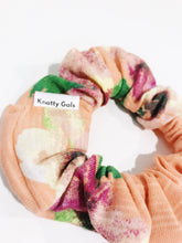 Load image into Gallery viewer, Knotty Gal Scrunchy - Stef