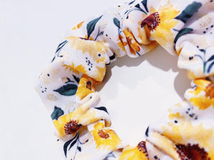 Knotty Gal Scrunchy - Summer's Sunflowers - HomespunTrades
