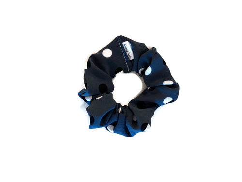 ✰ NEW ✰  Darlene - Knotty Gal Scrunchy