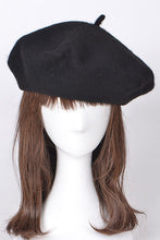 Load image into Gallery viewer, Oui Oui Beret - Black