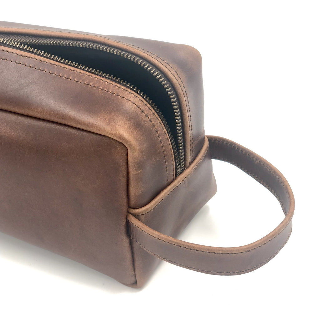 Leather toiletry Bag/Dopp Kit | Bovine Leather