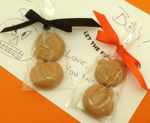 2-piece Halloween maple candy handouts