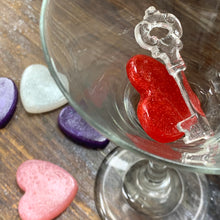 Load image into Gallery viewer, Edible Sugar Art Candy Hearts & Keys for Drinks