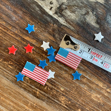 Load image into Gallery viewer, Mini Edible Flags & Stars Patriot Drink Details