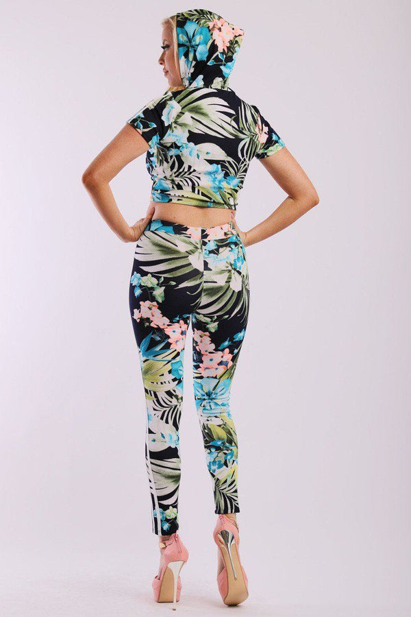 Leaf Print And Striped Side Contrast 2 Pieces Set Includes A Hooded Cropped Top With Short Sleeves And A High Waist Full Leggings - Elite5999.com