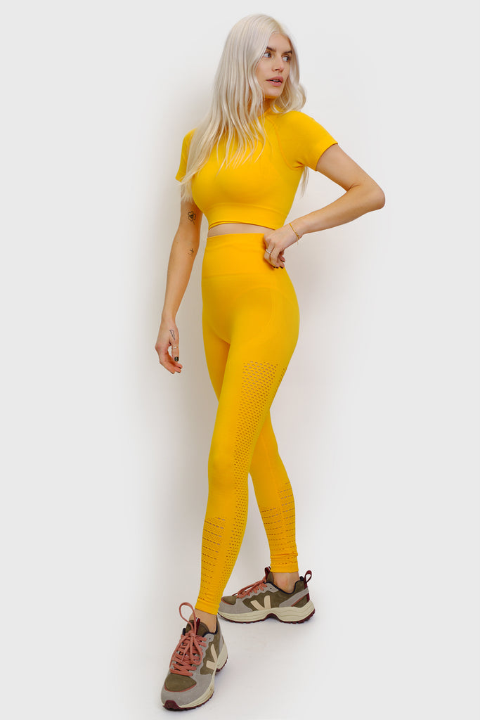 YELLOW SET - SHORT SLEEVED.