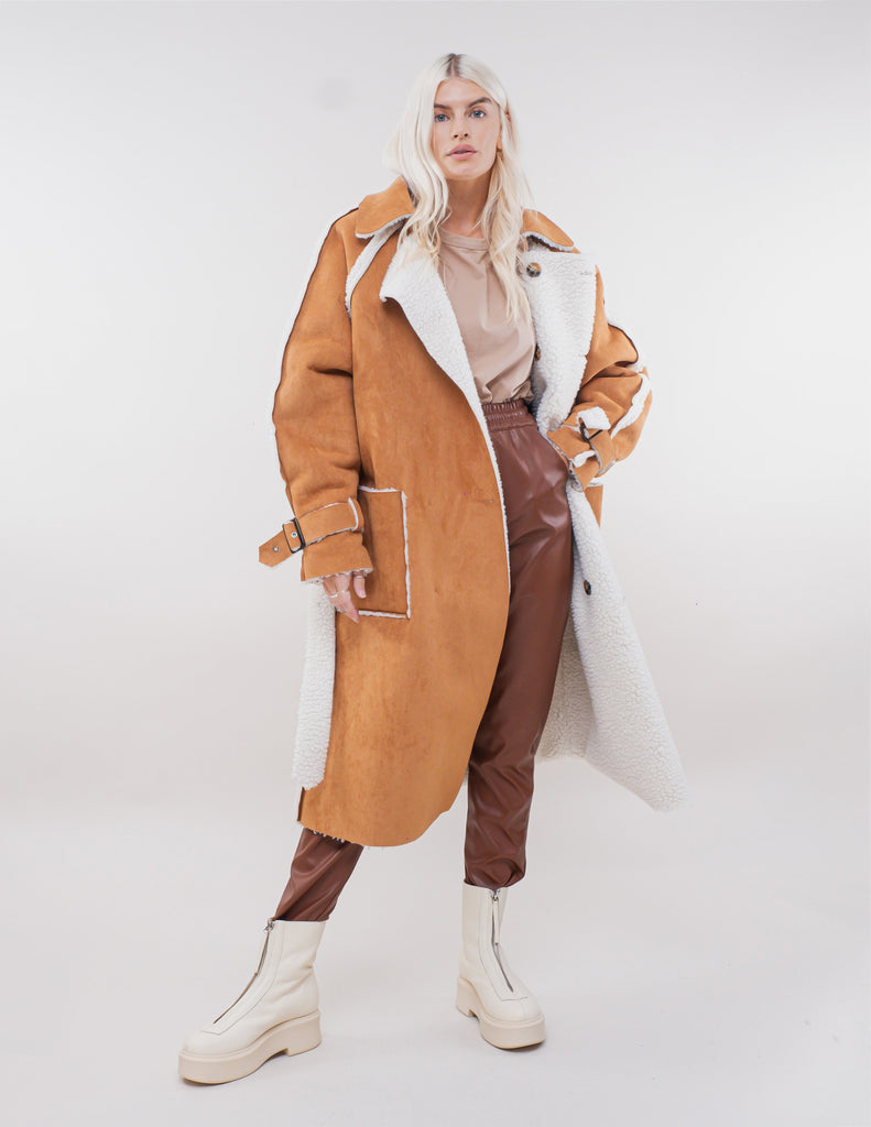 REVERSIBLE SHEARLING VEGAN