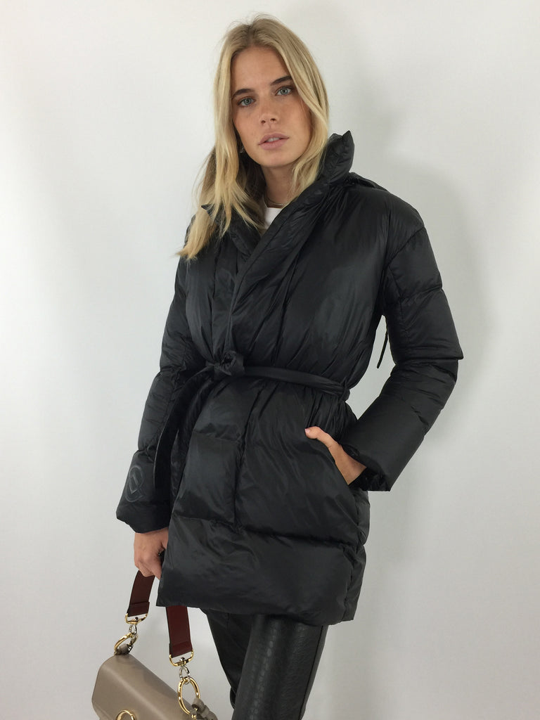 Sample Sale - Black Belted Puffer