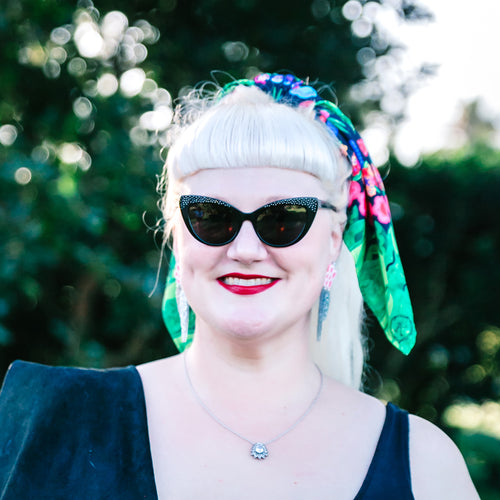 Garden Paradise' in Black Headscarf