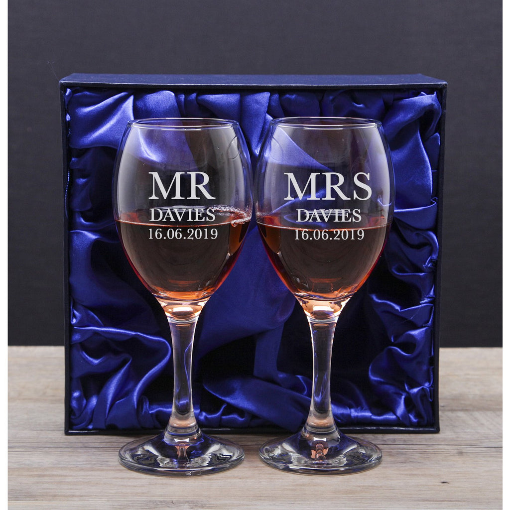 Personalised Mr & Mrs Wine Glass & Gift Box Set