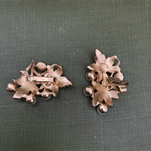 Maple Leaf Clusters
