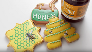How to Decorate Honeybee Cookies Like A Pro