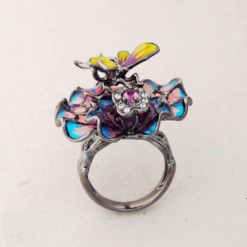 Ornate Bee & Flower Ring