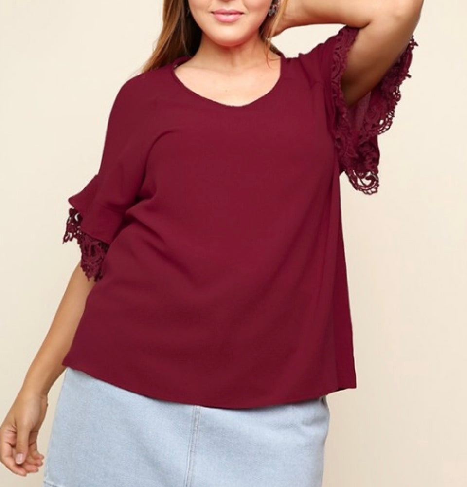 PLUS wine crochet sleeve top