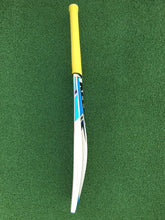 Load image into Gallery viewer, Keeley Worx Junior Bat - Grade 2.  Size 6. 2lb 3oz