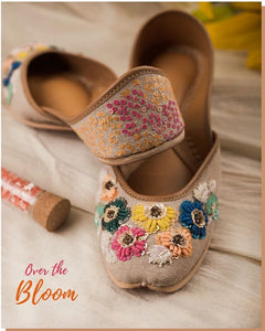 [NEW] Over The Bloom Juttis