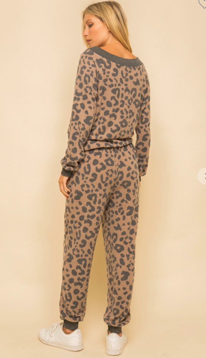 Stay Home Brushed Hacci Leopard Joggers- Taupe/Charcoal