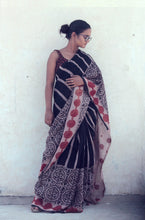 Load image into Gallery viewer, Renée | Black handwoven linen saree