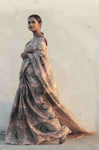 saree model standing in latest saree designed in India | latest designer sari images