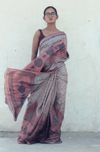 Load image into Gallery viewer, Violetta | Pure silk saree with dabu print
