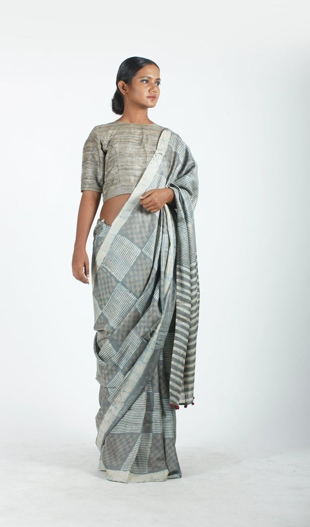 Eswari Saree | Dabu printed mulberry silk saree using natural dyes-Resha.in