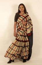 Load image into Gallery viewer, Cecile | Cotton mul saree printed using Itajime clamp dyeing