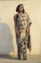 Load image into Gallery viewer, Orane | Mulberry silk saree with dabu print