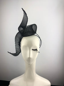 Pleated Crin Black Headpiece
