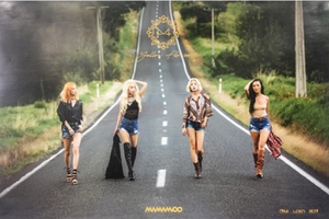 POSTER - Mamamoo Mini Album Vol. 6 - YELLOW FLOWER (A)