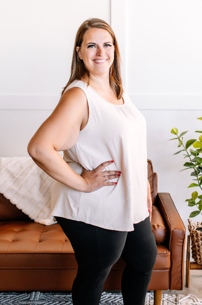 A Fine And Peasant Day Top In Hunter Green - Kasey Leigh Boutique