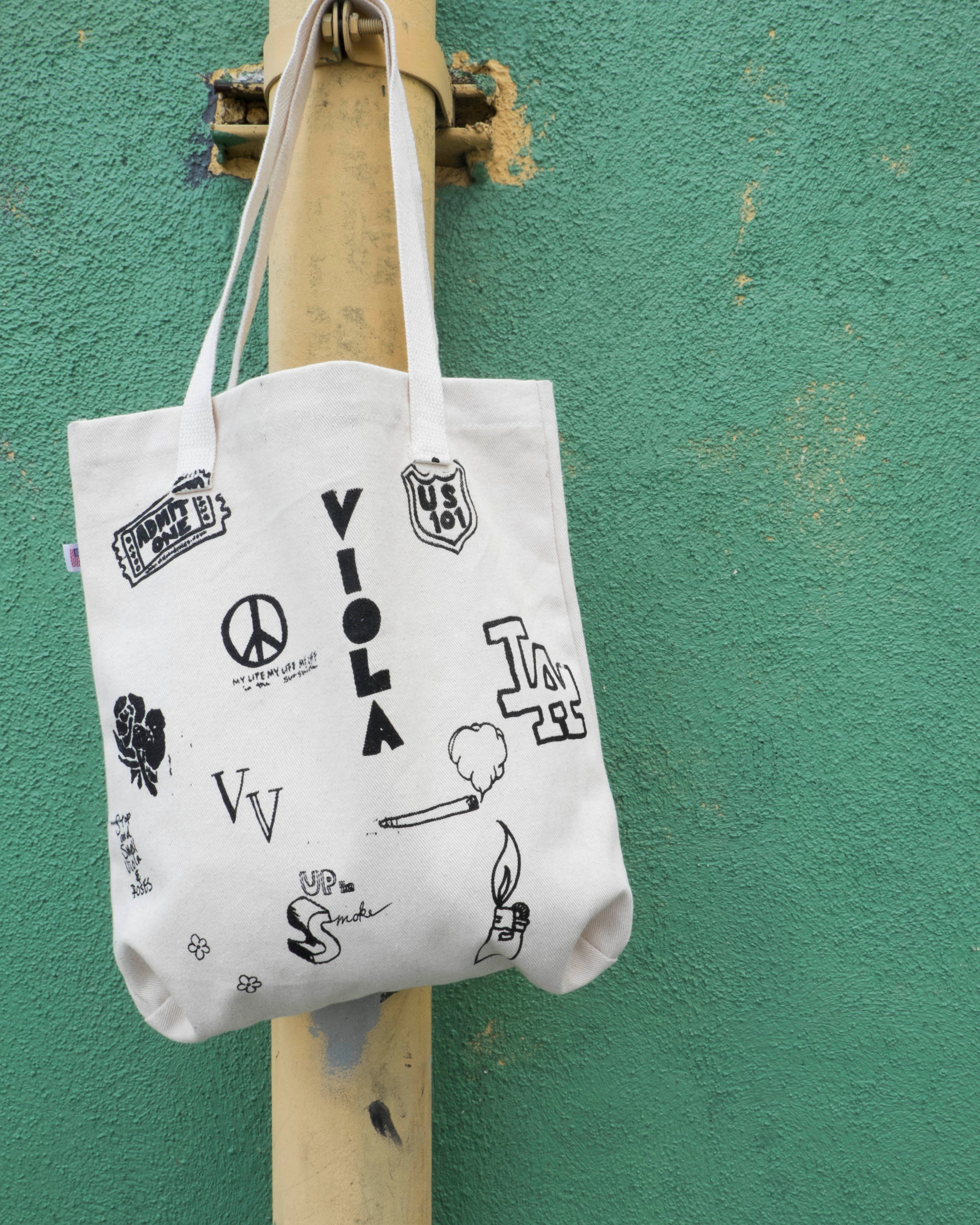HOLLYWOOD HAND DRAWING TOTE