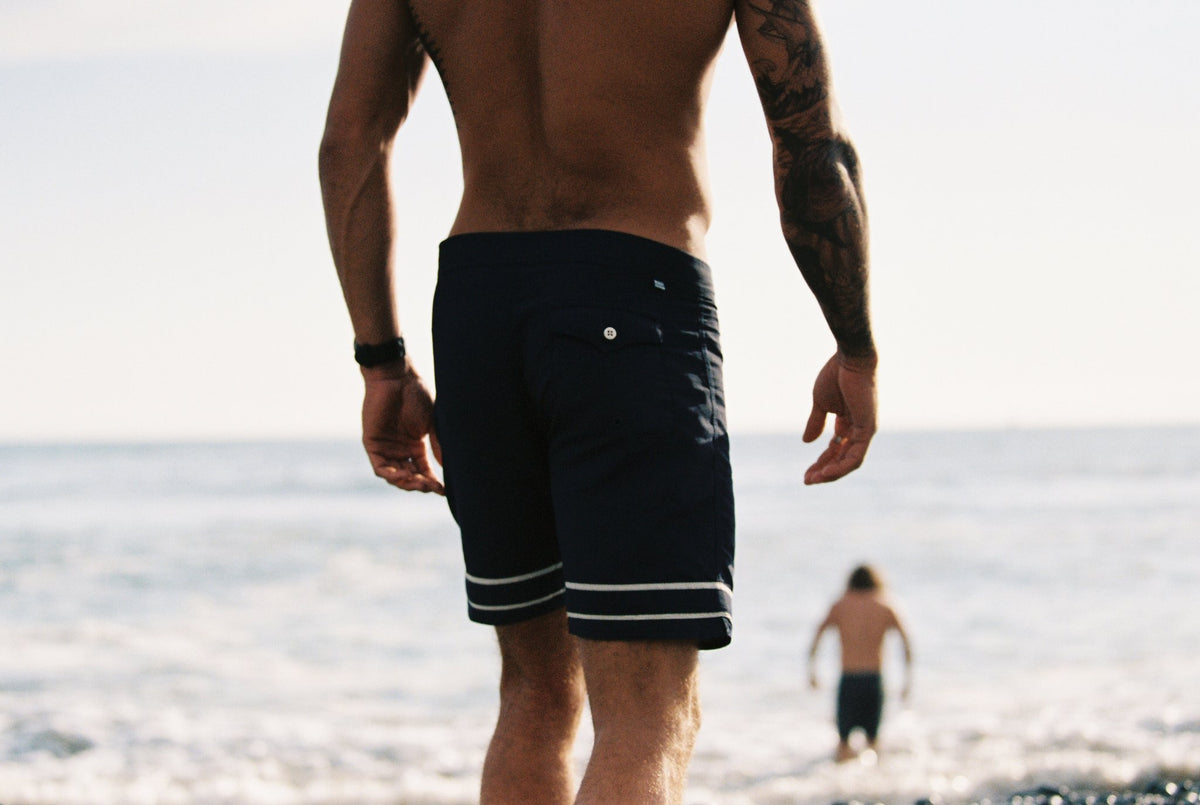 SEAGER CO. STRINGER TRUNKS NAVY