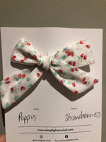Poppy Bow - Christmas edition